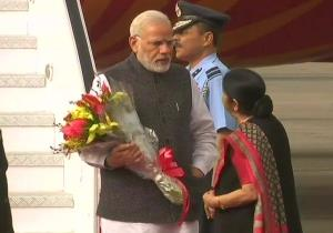 PM arrives in India, received by Sushma Swaraj