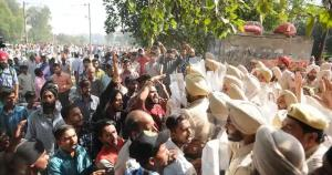 2 injured in clashes between police, protestors a...