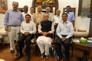 Arun Jaitley does not attend Cabinet, meets offic...