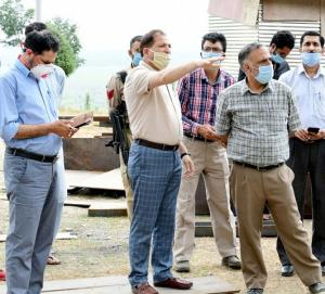 DC Ganderbal inspects fabrication work on Malshah...