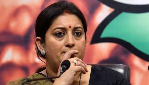 Supreme Court issues notice to Smriti Irani on Sa...