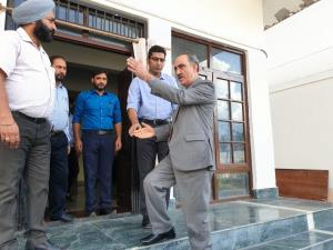 Justice Magrey inspects facilities at Juvenile Ho...