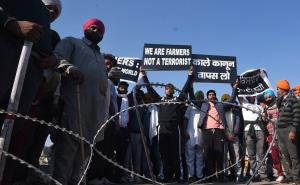 Farmers march: Protesters stay put at borders, to...