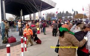 Fog disrupts Srinagar air traffic, all flights ca...