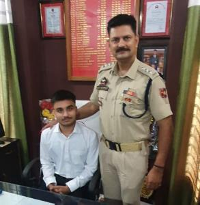 Meritorious class 12th student gets opportunity t...