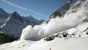 Avalanche hits Kashmir