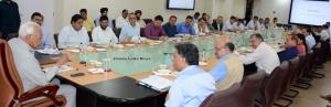 Governor reviews implementation of important proj...