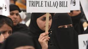 Triple Talaq: SC issues notice to Centre on plea ...