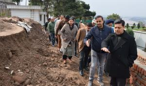 Div Com Jammu inspects development works at Bagh-...