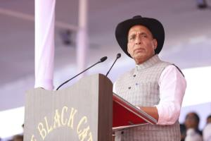 Rajnath to visit J&K on Tuesday, will assess secu...