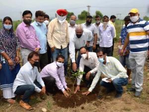 Director Horticulture Jammu tours Akhnoor, Khour ...