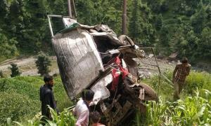 Two dead, four injured in Ramban road accident