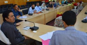 DDC Budgam reviews functioning of ICDS, Social We...