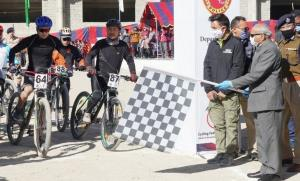 LG flags off Ladakh Cycle Race