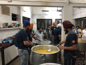 Kerala floods: Khalsa Aid volunteers reach Kochi,...
