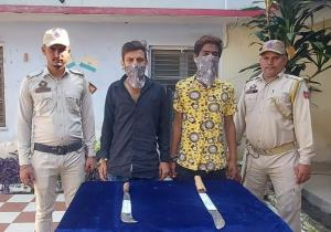 Two notorious criminal nabbed with sharp edged we...