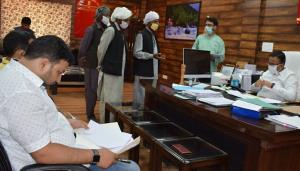 DC Doda approves 6 land acquisition cases under P...