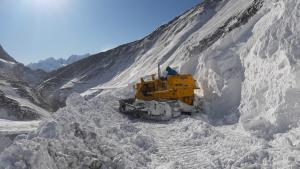 Srinagar-Leh highway to be reopen for traffic on ...