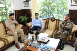 Officers review arrangements along Jammu-Srinagar...