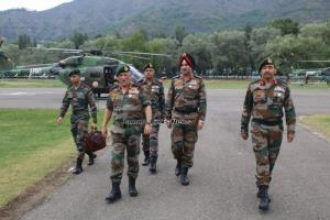Army chief reviews security situation along LoC