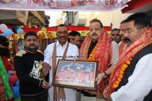 Rana flags off Pingla Mata Yatra, prays at Kol Ka...