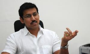Sports Minister Rathore throws a fitness challeng...