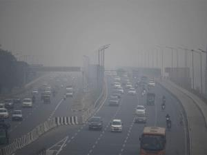 Delhi gasps for breath as AQI remains in