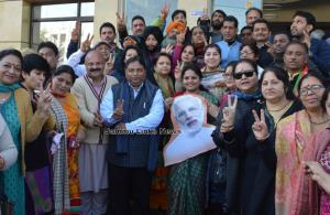 J&K BJP celebrates Gujarat and HP poll victory