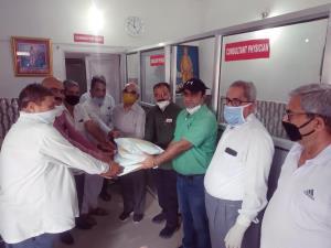 Randhawa provides PPE kits to Swami Vivekananda d...