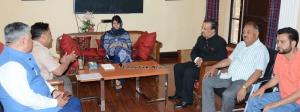 Deputation of Kashmiri Pandits meets Mehbooba Muf...