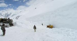 Heavy snow accumulation likely to delay Zojilla r...