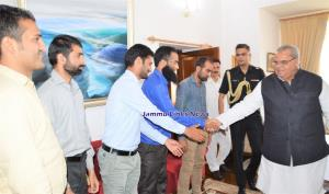 Delegation of contractual teachers meets Governor