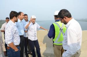 Ailing Manohar Parrikar makes rare public appeara...
