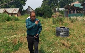 Director Horticulture Kashmir visits Fruit Plant ...