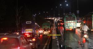 Traffic chaos bring Jammu to a halt