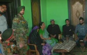 Nirmala Sitharaman visits martyred Army jawan Aur...