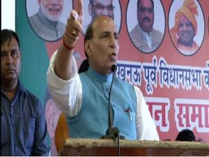 Rajnath slams Congress over Article 370