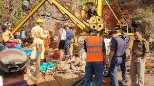 Search operation to trace trapped miners resumes ...