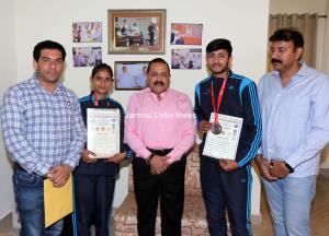 Dr Jitendra honours Pencak Silat medallists