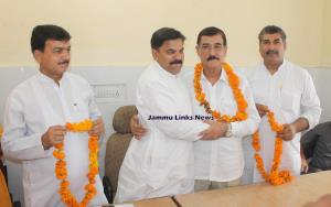 Senior PDP leader joins JKNPP in Jammu