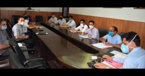 Div Com Jammu reviews progress on border bunkers