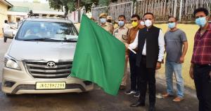 DC Doda flags off group of PRI, ULB members to Ka...