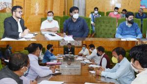 DC Shopian convenes meeting of revenue officers