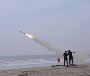 IAF test-fires indigenous, Russian air defence mi...