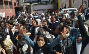 GCW Parade students protest for online exams
