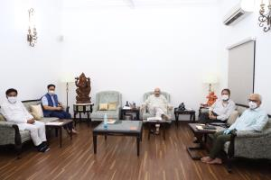 HM meets public representatives of Ladakh, discus...