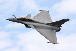 After Hollande's Rafale remarks, French govt, Das...