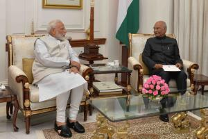 PM Modi resigns after Cabinet meet, set to take o...