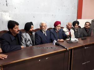Conspiracy to favour Kashmiri Pandits, allege dis...
