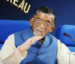 Union Minister Santosh Gangwar: Do not make an is...